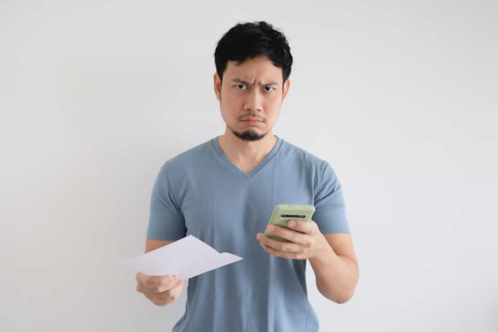Angry man at high smartphone bill because he used usb tethering